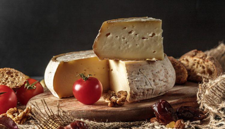 مجموعه تصاویر استوک غذا و خوراکی با موضوع انواع پنیرها
